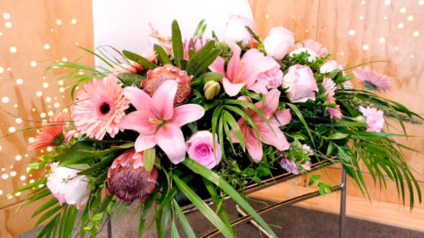 centro floral pastel